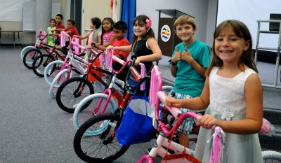 WVUSD-Students-get bikes